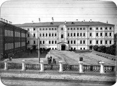 Здание мужской классической гимназии